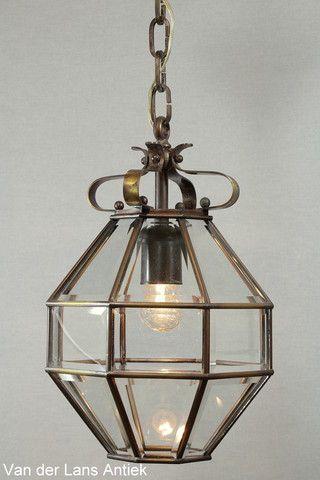 Antieke lantaarn 26291 bij Van der Lans Antiek. Meer antieke lampen op www.lansantiek.com