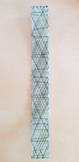 kotayuさん。ポロホッドの型を色を使って編みました。プラートノと違い、こんなふうに糸は流れていくのですね。5/20101022