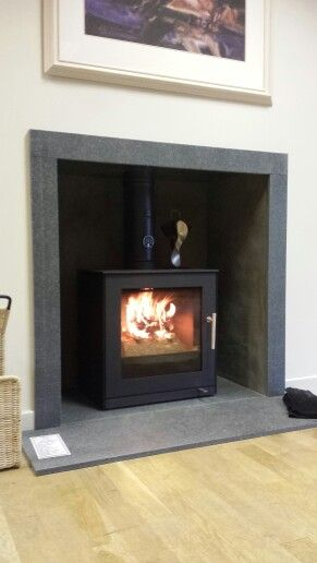 RAIS Q-tee 2 wood burning stove, under fire at Bonk & Co
