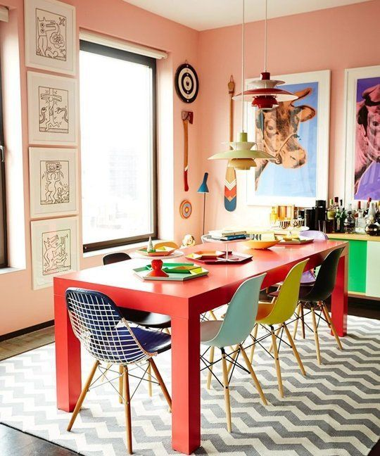 I love the table, chairs, and rug! Every Color Goes Together: Homes that Aren&#3…