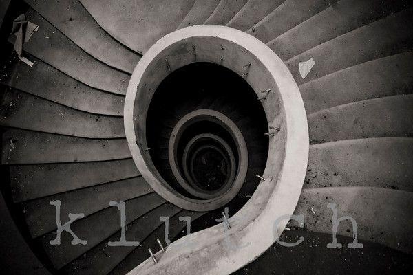 swirl.  https://www.facebook.com/klutchphotography