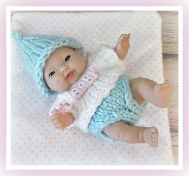 Knitting Patterns For Dolls Bedding : Best 25+ Knit doll hat ideas on Pinterest Crochet doll clothes, American gi...