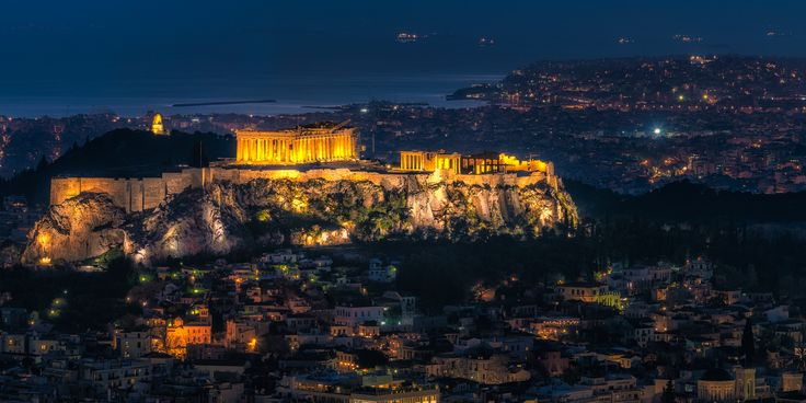 No matter where you go, you always see the Parthenon sitting enthroned on the Acropolis Hill in Athens 😍