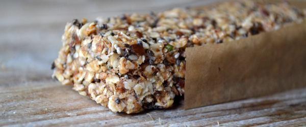 Superfood: Chia- en hennepzaad ontbijtreep - Eerlijker Eten