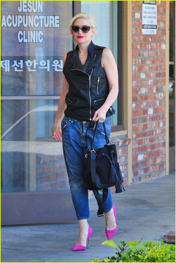 Gwen Stefani Kurt Geiger London 'Bond' in fuschia pink