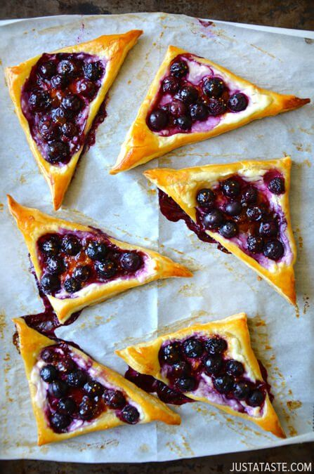 Blueberry Cream Cheese Pastries | http://www.justataste.com/2014/05/easy-blueberry-cream-cheese-pastries-recipe/