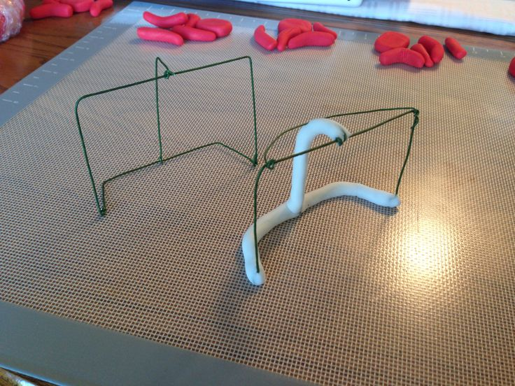 hockey nets wire and fondant
