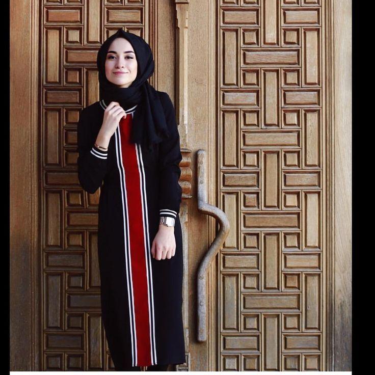 """331 Beğenme, 33 Yorum - Instagram'da www.tugbabicer.com (@tugbabicer_official): """"www.tugbabicer.com - Sevgili Sena Sever'in yorumladığı elbisemizi 2406 ürün kodu ile aratarak…"""""""