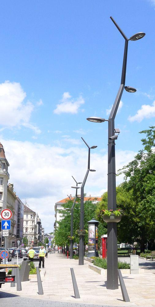 Street lights in Budapest. Click for source & visit the slowottawa.ca boards >> http://www.pinterest.com/slowottawa