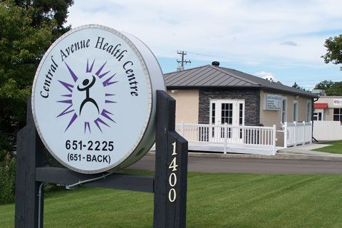 Our clinic is conveniently located right beside the rail crossing on Central Avenue. With our accessible location, ample free parking and variety of services (chiropractic, massage therapy, aromatherapy steam rooms, acupuncture, computerized thermography, electromyography, gait scan analysis and custom orthotics); Central Avenue Health Centre is a great option for anyone looking for comprehensive health and wellness care. #chiropractor #wellness #massage http://cahc.ca/contact-us.html