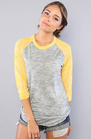 Is it so wrong to love baseball tees, especially with denim cut off shorts? Of course not, i'm an 80's kid.