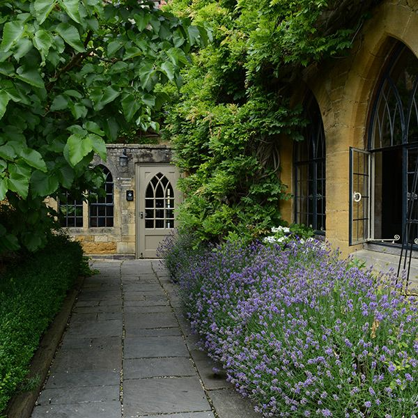 The Manor House Hotel is an enchanting 16th century Cotswold retreat where you can revel in luxury, indulge yourself with fine food and drink and relax in a homely and friendly atmosphere.