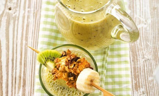 Kiwi-Bananen-Smoothie für Kinder                              -                                  Cremiger Smoothie aus Kiwi, Banane und Birne