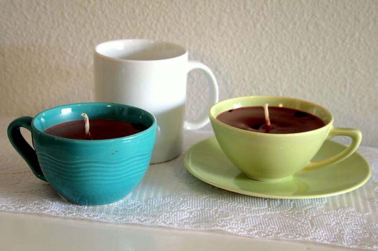 Exemples d'objets recyclés – les anciennes tasses de thé/ café excellents supports pour des bougies faites maison