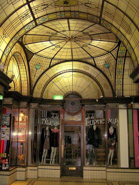 Cathedral Arcade, Nicholas Building, 21-47 Swanston Street, Melbourne. Built 1926. Architect: Harry Norris.