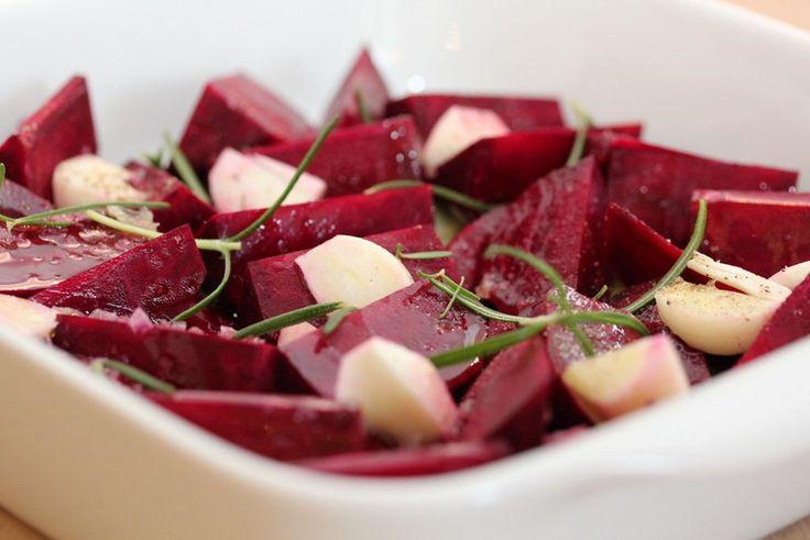 Ovnsbakte rødbeter med chevrekrem og balsamicovinaigrette
