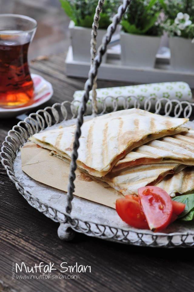 Lavaş Tost | Mutfak Sırları – Pratik Yemek Tarifleri