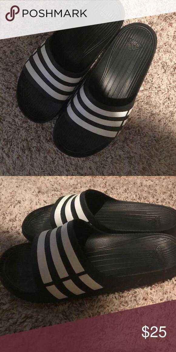 Addias slides Good condition size 11 Shoes Sandals & Flip-Flops