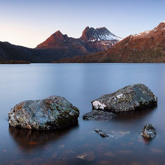 The beautiful Cradle Mountain from Dove lake. Hard to get tired of this view. @greatwalksofoz @tasmania #discovertasmania @australia #seeaustralia #overlandtrack #tasmania #australiagram #exploreaustralia #pro_ig #epic_captures #jaw_dropping_shots #special_shots #professionalclub #ig_exquisite #ig_australia #igworldclub #focusaustralia #bestviewtasmania #wonderful_places #earthpix #awesomeearth #big_shotz #global_hotshotz #exploringtheglobe #ic_landscapes #instagood #unsung_masters…