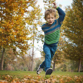 Test de Guiainfantil.com para averiguar si tu hijo es hiperactivo. Hay una serie de síntomas que delatan al niño hiperactivo aunque los síntomas pueden ser clasificados según el déficit de atención que tenga el niño, el grado de hiperactividad o su impulsividad.
