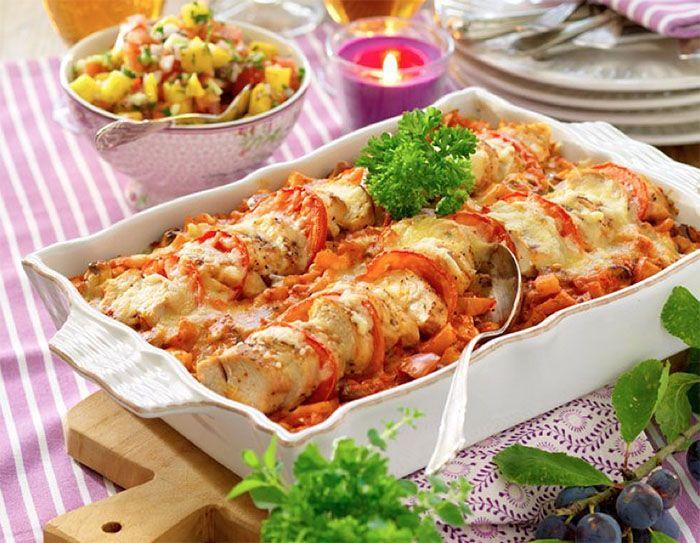 Gratäng med kyckling, ajvar relish, ost och ris | Året Runt