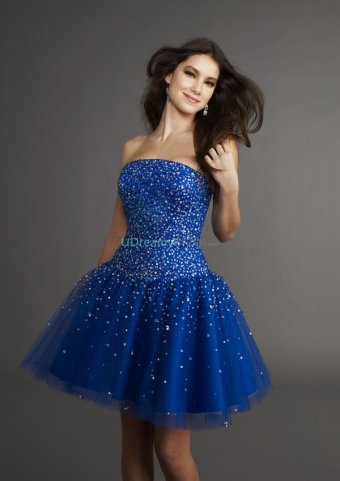 Short blue A-line prom dress with strapless neckline and organza skirt. Beading allover the silk dress. Free made-to-measurement service for any size. Available colors seen as in Color Options.