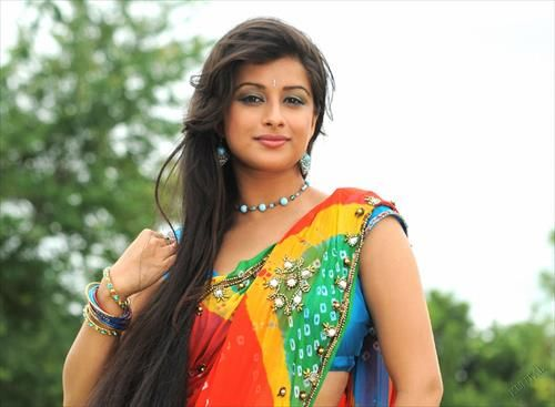 Hairstyles For Indian Brides With Long Hair