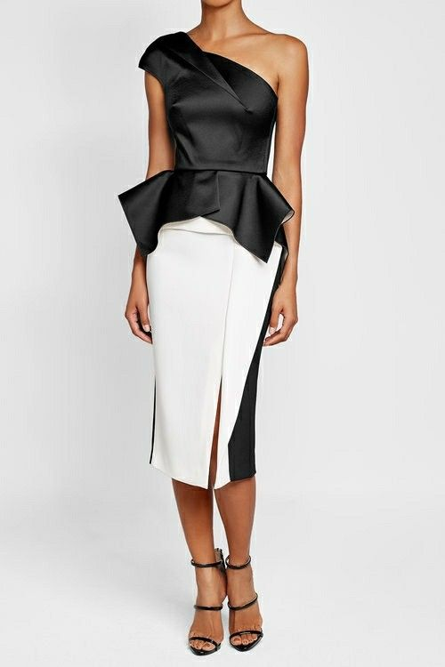 black and white - this fitted pencil silhouette from Roland Mouret