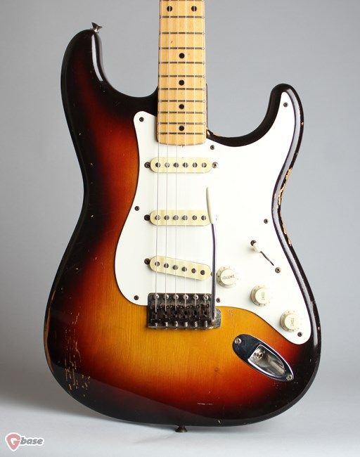 1958 Fender Stratocaster three tone sunburst lacquer > Guitars Electric Solid Body | Retrofret Vintage Guitars