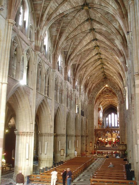 Worcester Cathedral: one site for the Three Choirs Festival, alternating with Gloucester & Hereford... buy tickets in advance, w/meals in the Cathedral school!