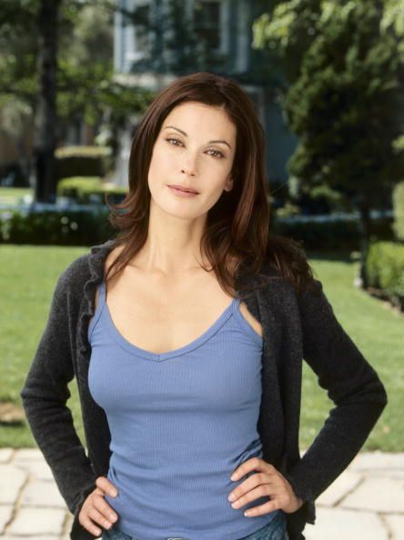 Teri Hatcher as Susan Mayer ~ Desperate Housewives ~ Publicity Stills ~ Pilot Episode ~ March 2004
