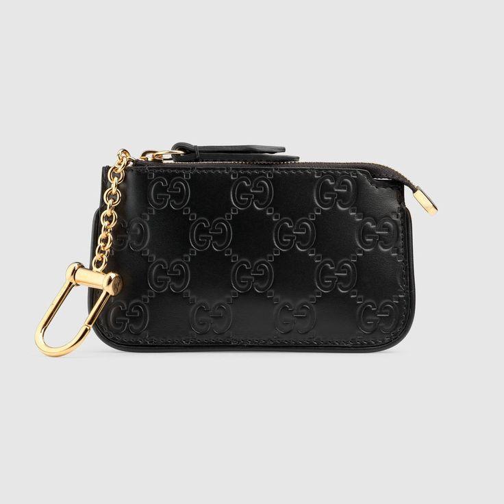 GUCCI Gucci Signature Key Case - Black Gucci Signature. #gucci #bags #leather #