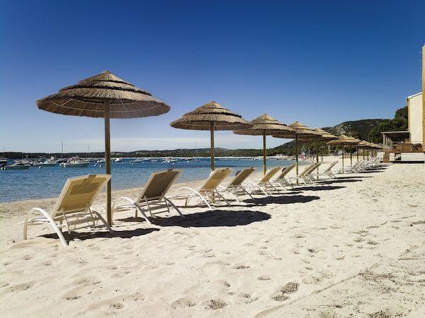 Hotel Pinarello, strandhotel in stijl aan de oostkust van Corsica.