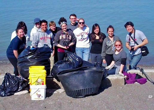 Students from Boston University spent their spring break with Lake Metroparks performing a variety of tasks in our parks including coastal shoreline cleanup.
