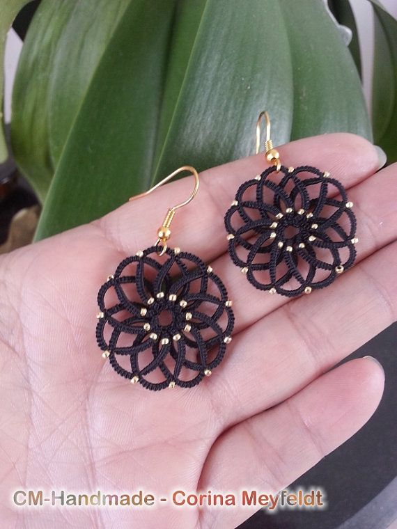 Delicate earrings done with tatted lace, embelished with Toho 11 rocailles galvanized gold beads. Gold colored furnitures. If desired, other colours and furnitures are possible. Just pick one or let me a note. Size: 2,5 cm to the widest side.