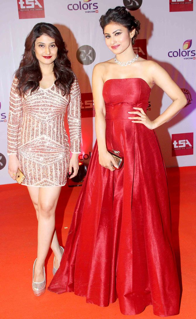 Raginni Khanna and Mouni Roy at the Television Style Awards. #Bollywood #Fashion…