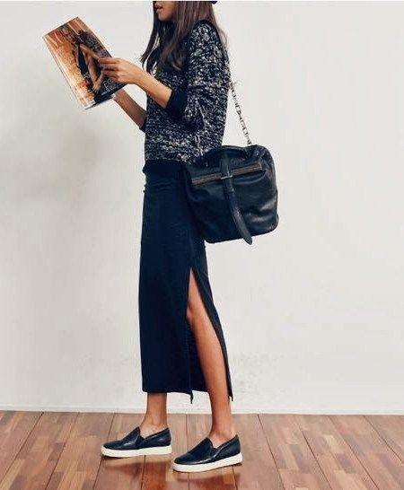 Стильный образ: юбка миди + черные слипоны