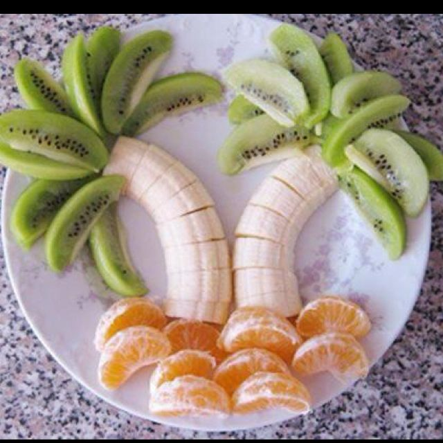 This would be adorable for a summer cookoutTropical Fruit, For Kids, Cute Ideas, Food, Palms Trees, Palm Trees, Fruit Trees, Snacks, Fruit Trays
