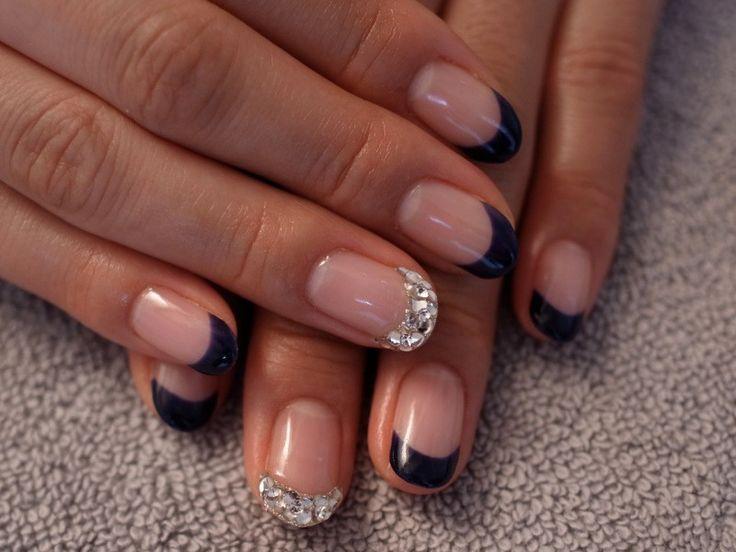 ☆クールフレンチ♬ダークブルー×クリアスワロフスキー☆ の画像|パリのネイルサロン Bijoux nails Paris