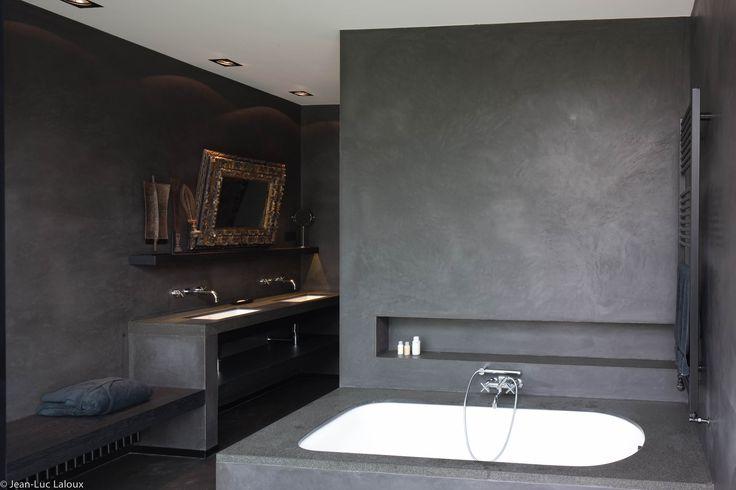 Concrete walls in bathroom #surfaces #bathrooms #designer #interiordesigner #interiordesigners #bespoke #homes #design #homedesign