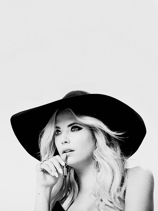 Ashley Benson behind the scenes of the Pretty Little Liars promoshoot for season 7 // 2016