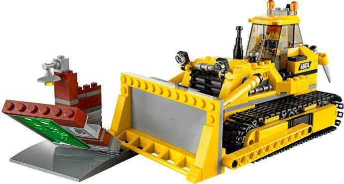 Maak het karwei af met de machtige LEGO® City Bulldozer, inclusief gebouwfragment, 2 minifiguren en diverse accessoires. Neem een kijkje in onze lego winkel: https://www.olgo.nl/lego/city.html