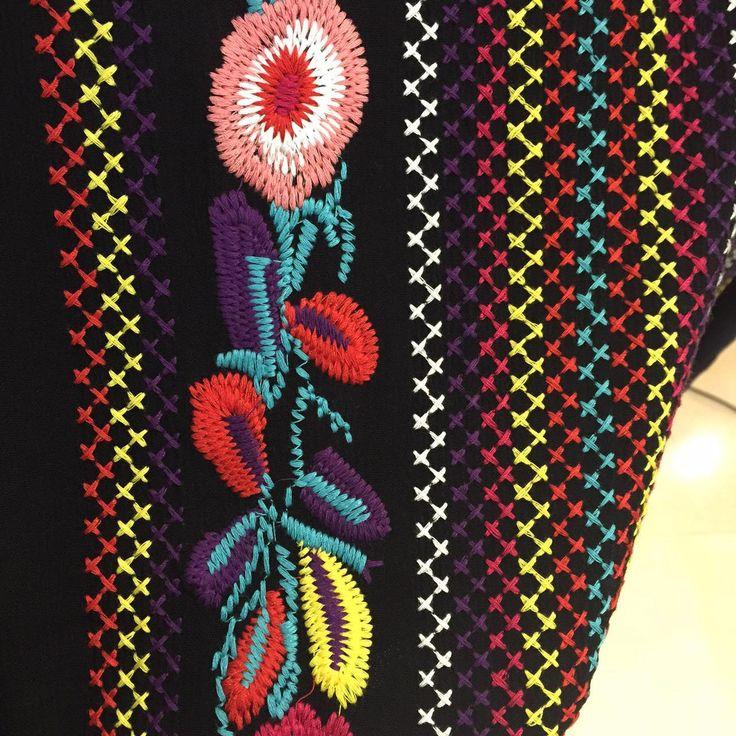 Действительно фотографий новых этнических старинные цветочная вышивка платье женщины хлопок широкий пляж хиппи длинные платья Boho люди стороны сплит купить на AliExpress