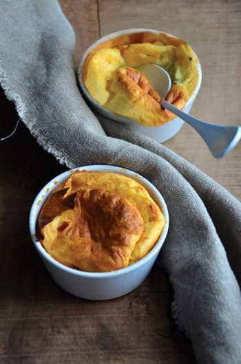 Soufflé de batata e queijo de cabra. Veja a receita em: http://www.batatasdefranca.com/receitas/pratos.html#!prettyPhoto[soufle_batata_queijo]/0/ #Batata #Receita #Comida #Batatas #Cozinhar #batatascomsabor #pratos #soufle #queijo #cabra