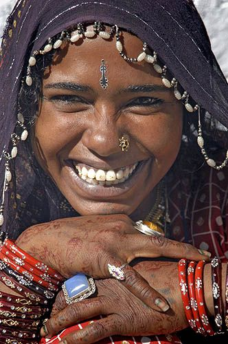 :  Rajasthani woman in Thar desert, India (by 54236819@N00)