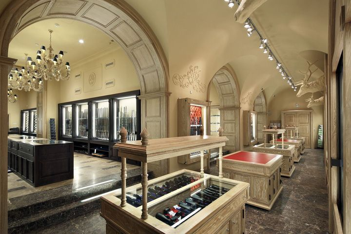Kolchugas Weapons Salon by ARCHPOINT, Moscow – Russia » Retail Design Blog