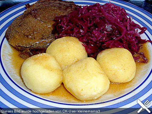 Knödel aus gekochten kartoffeln