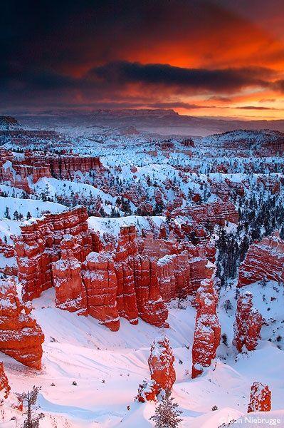 winter sunrise, Bryce National Park, Utah