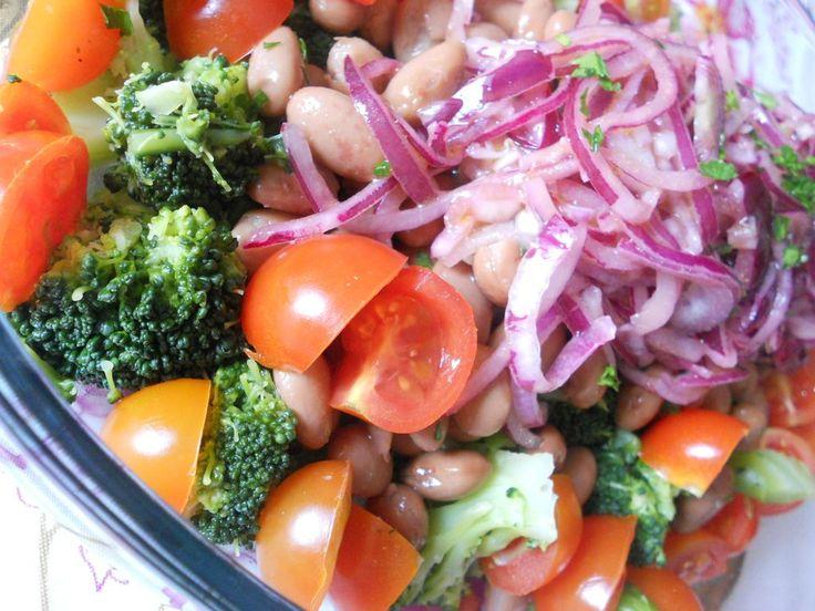 Oggi vorrei proporre una ricetta di un piatto unico light e salutare, molto facile e
