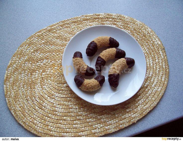 ořechové duté rohlíčky